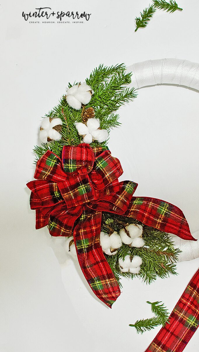DIY: Make A Tartan Plaid Wreath In 30 Minutes For Less Than $15 [Video Tutorial] | winterandsparrow.com #tartanplaid #plaidwreath #plaidoutdoorwreath