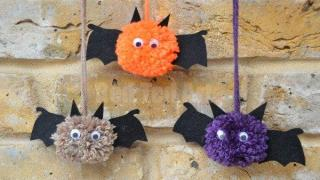 Bat Crafts - Pom Pom Bats