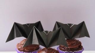 DIY ORIGAMI BAT CUPCAKE TOPPERS.