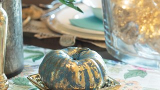 Decorating With Metallics: Fall Tablescape Ideas
