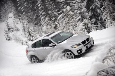 BMW X6 Snow