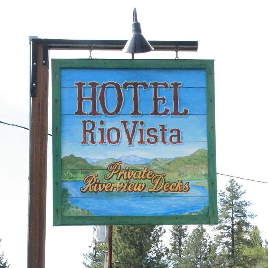 Hotel RioVista storefront signage