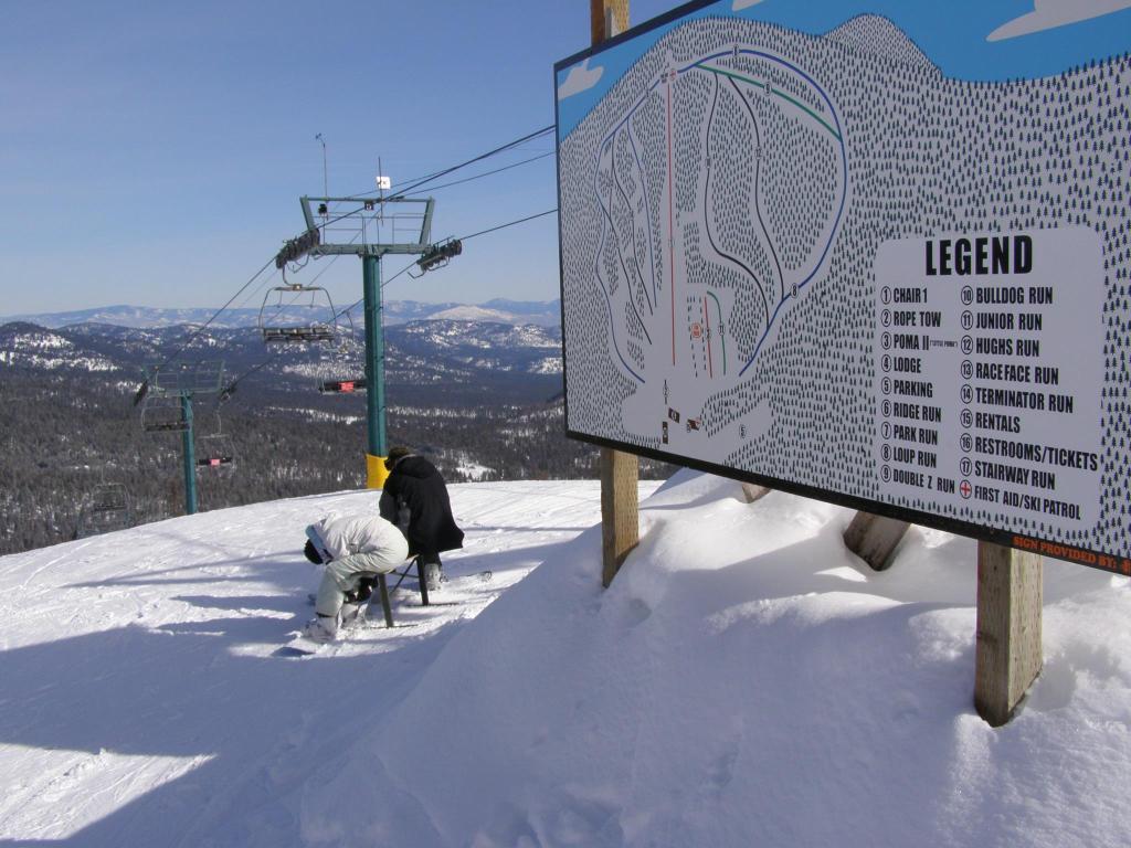 downshill skiing alpine snowboard winthrop washington
