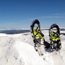 snowshoeing in winthrop