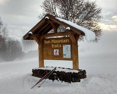 snowshoe in winthrop washington winter wonderland