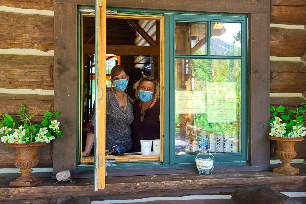 Freestone inn and cabins Mazama Safe Start COVID Coronavirus be an outlaw wear a mask mask up
