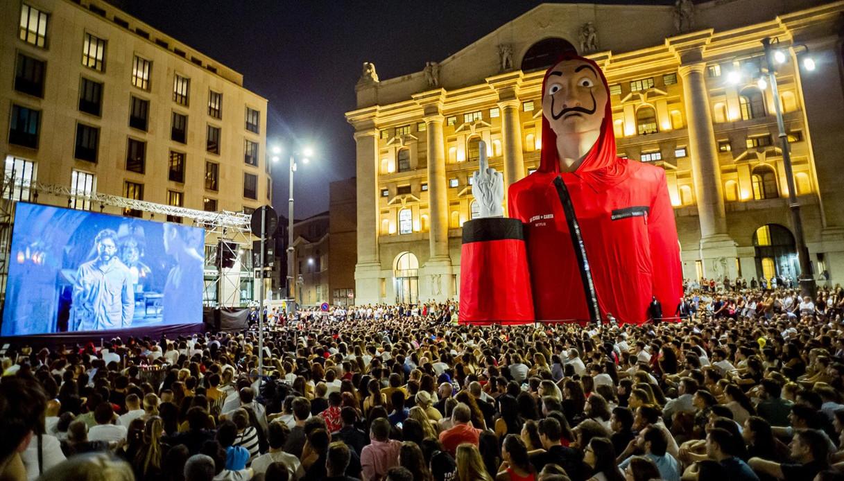 5000 In Piazza Per La Casa Di Carta Il Video Dal Drone