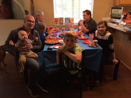 Madre pide confirmar asistencia al cumpleaños de su hijo cumple7