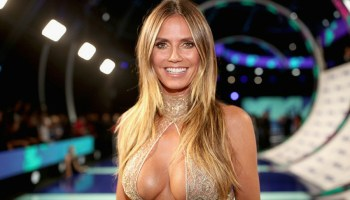 Heidi Klum lució irreconocible con su disfraz, Heidi Klum, Heidi Klum disfraz, Heidi Klum Halloween, Heidi Klum Thriller, Heidi Klum disfraz, Celebridades, Modelo Heidi Klum