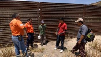 críticas a EU por retirar el pacto mundial sobre migración, muro fronterizo, muro Trump, migración