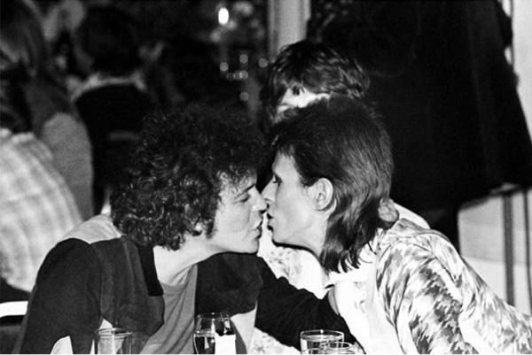David Bowie: el ícono andrógino de la música, la moda y la sexualidad Captura-de-pantalla-2018-01-10-a-las-12.00.49-p.m.-600x401