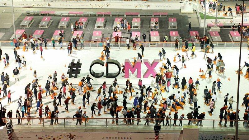 Mañana último día para disfrutar de la pista de hielo en el Zócalo DRx9w__VwAA1fbZ