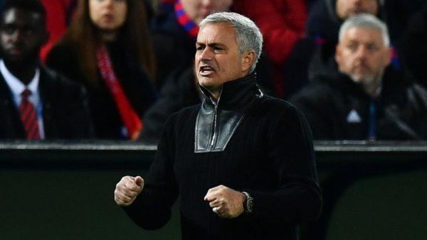 Mourinho junto a su plantilla