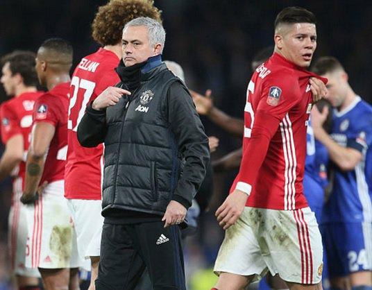 Mourinho niega que piense