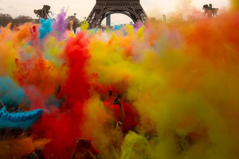 Galería: La Torre Eiffel de colores por una carrera en la que el objetivo no es ganar 000_141891