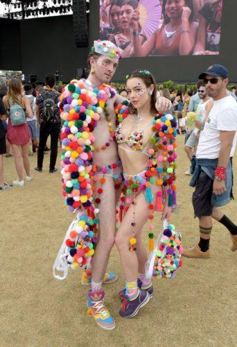 Galería: Los outfits del Coachella, el festival de música más fashionista 063_946694772-342x500
