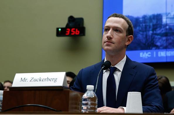 Mark Zuckerberg defiende el modelo económico de Facebook 944784532