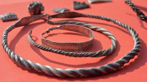 Niño de 13 años descubre tesoro vikingo Alemania-hallazgo-tesoro-Vikingo-3