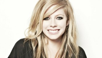 Avril Lavigne regresa a la música