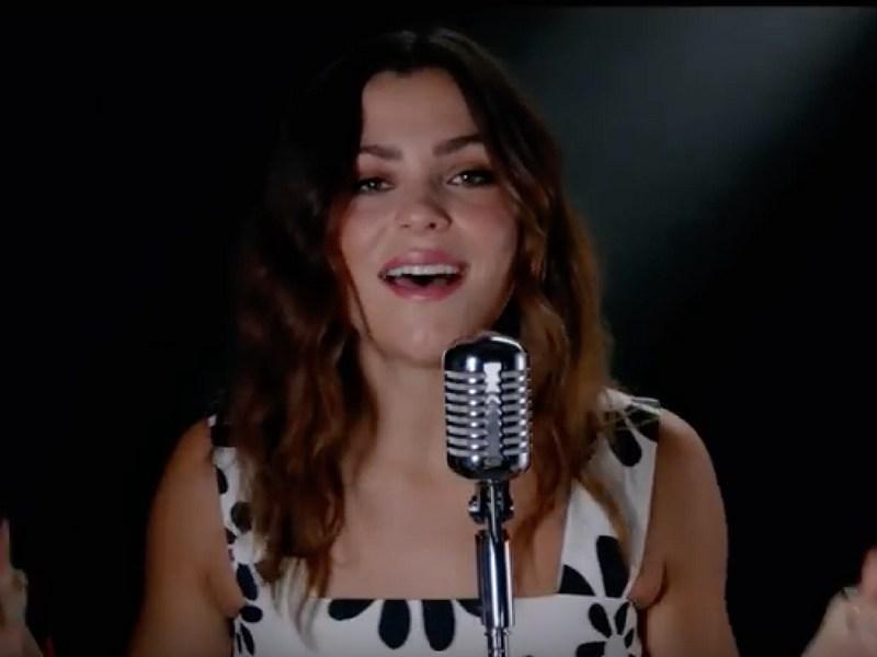 Protagonistas de 'Luis Miguel, la serie' cantan
