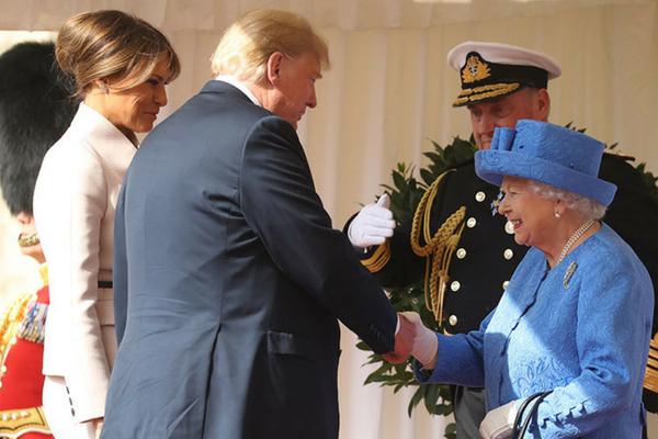 Pese a las protestas, La Reina Isabel II recibió a Donald Trump y Melania en Winsor Dise%C3%B1o-sin-t%C3%ADtulo-314