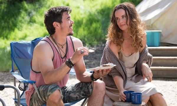 Llega la nueva comedia de HBO, 'Camping', un viaje que preferirán olvidar Camping-02-600x360