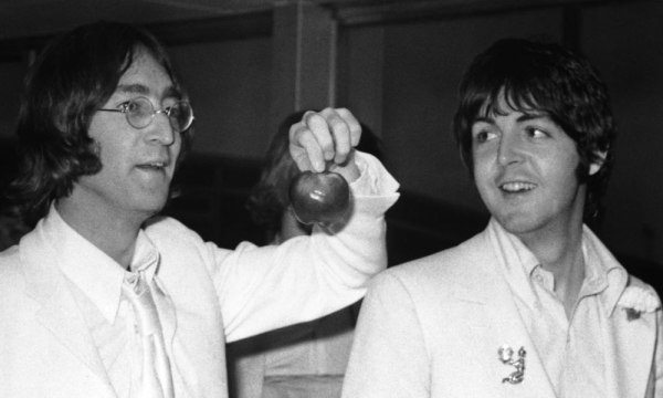 Hijos de John Lennon y Paul McCartney causan nostalgia Jonh-Lennon-y-Paul-McCartney-600x360