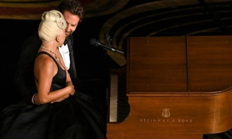 La interpretación de Lady Gaga y Bradley Cooper en los Oscar fue emotiva Lady-Gaga-y-Bradley-Cooper-en-los-Oscar
