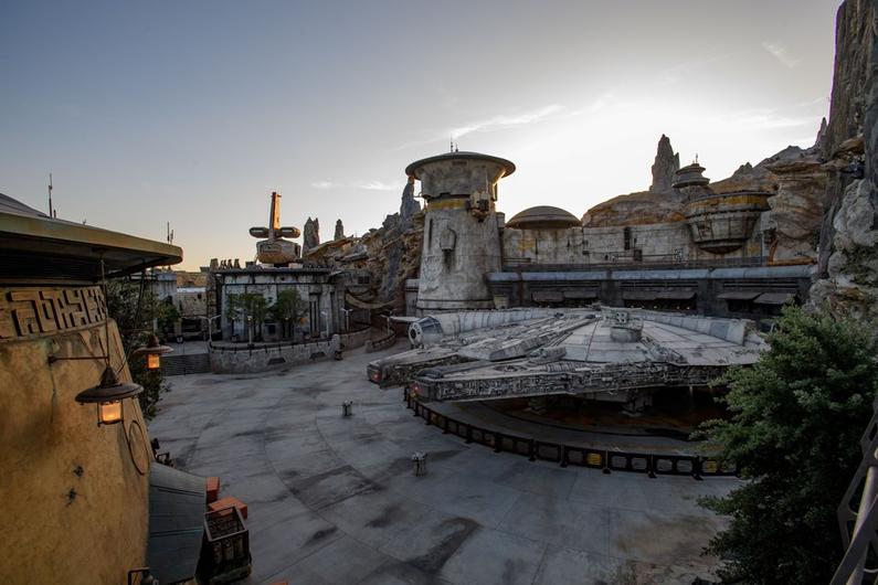 Revelan los primeros vistazos del parque 'Star Wars: Galaxy's Edge' star-wars-galaxy-edge-viviras-5
