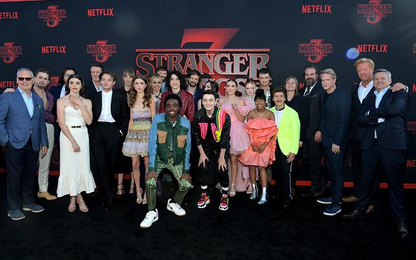 Millie Bobby Brown roba miradas en premiere de 'Stranger Things 3' gettyimages-1158957035-594x594
