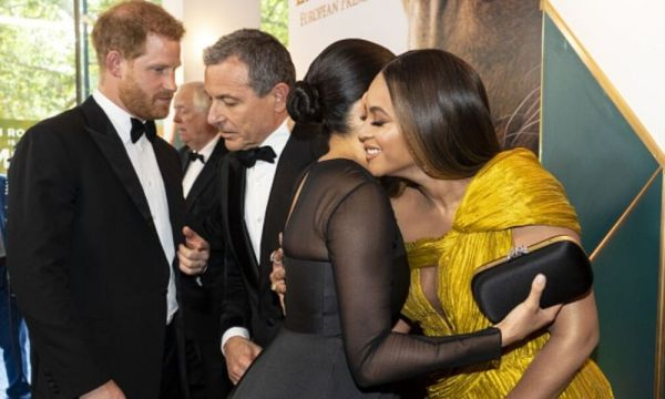 Meghan y Harry desfilan en la premiere europea de 'The Lion King' Meghan-y-Beyonce-600x360