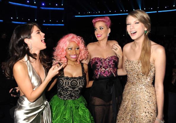 Refuerzan su reconciliación: Katy Perry y Taylor Swift cantarán con Selena Gómez gettyimages-133702548-594x594