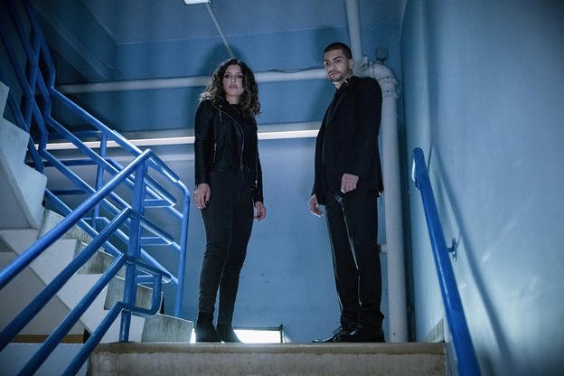 Las fotos de la última temporada de 'Arrow' trae el regreso de difuntos personajes Arrow-Final-Season-07
