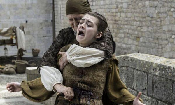 ¿Arya estaba muerta? Estos hechos revelarían que sí Arya-Stark-estaba-muerta-600x360