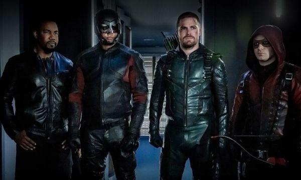 Se reveló el trailer final de la última temporada de Arrow Stephen-Amell-revela-el-trailer-de-la-temporada-final-de-Arrow-600x360