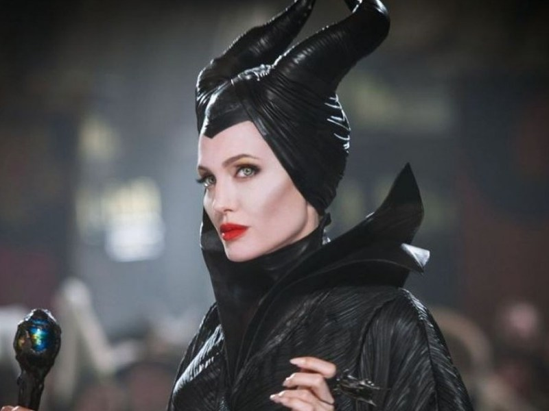 Angelina Jolie se transforma en Maléfica