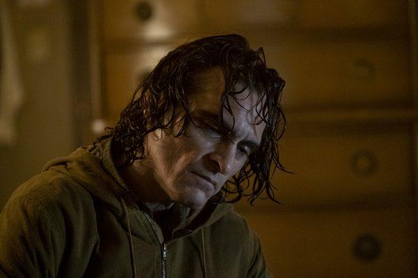 Nuevas fotos de 'Joker' revelan si habrá o no cameo de Jack Nicholson joker-arthur-fleck-joaquin-phoenix-600x400