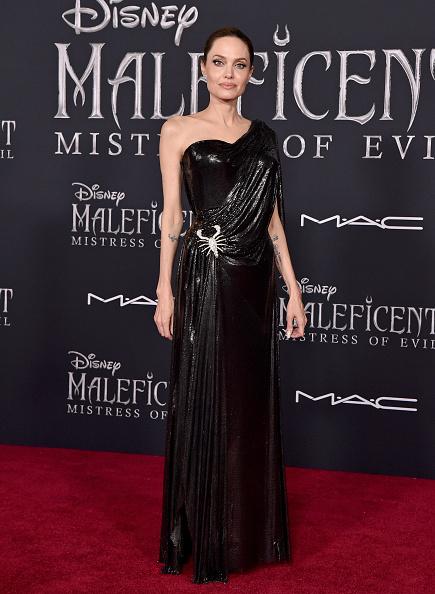 Angelina Jolie se apoderó de la alfombra roja de 'Maleficent: Mistress of Evil' Maleficent-001
