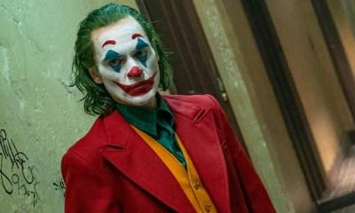 Mujer con máscara de Joker atacó