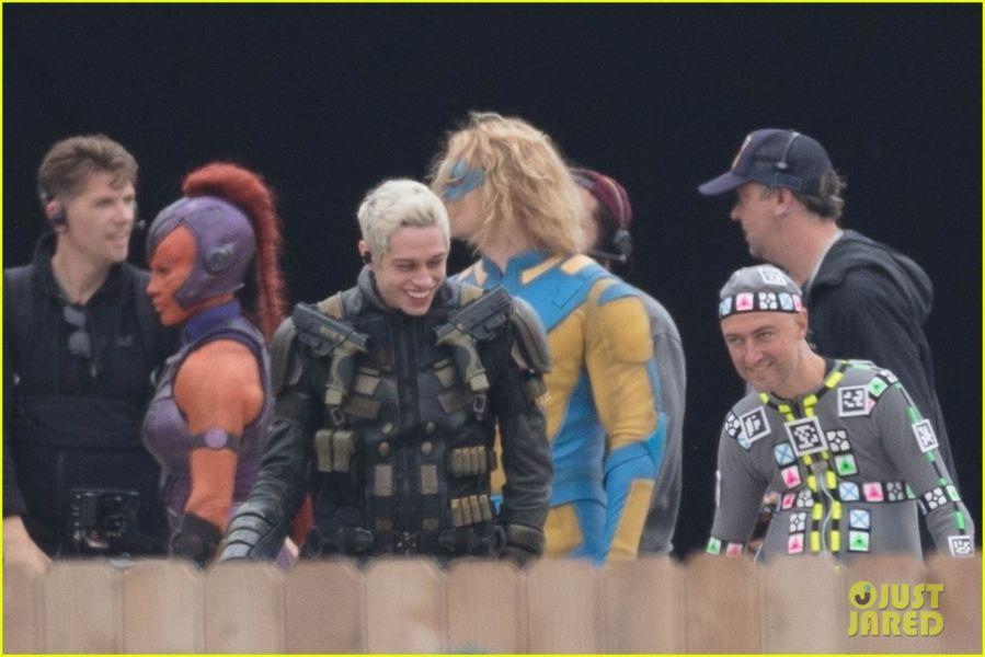 ¿Y Harley? Filtran fotos de los nuevos trajes de 'The Suicide Squad' the-suicide-squad-cast-set-photos-31