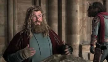 Thor conservaba su capa con el traje del reino cuántico