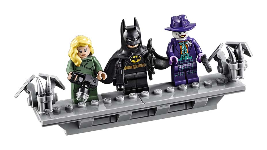 El Batmobile de Tim Burton vuelve a Gotham City lego-recrea-el-batmobile-de-tim-Burton-1-600x338