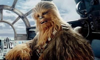 Chewbacca responde a la foto de George Lucas con Baby Yoda