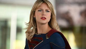 Supergirl reveló su identidad secreta
