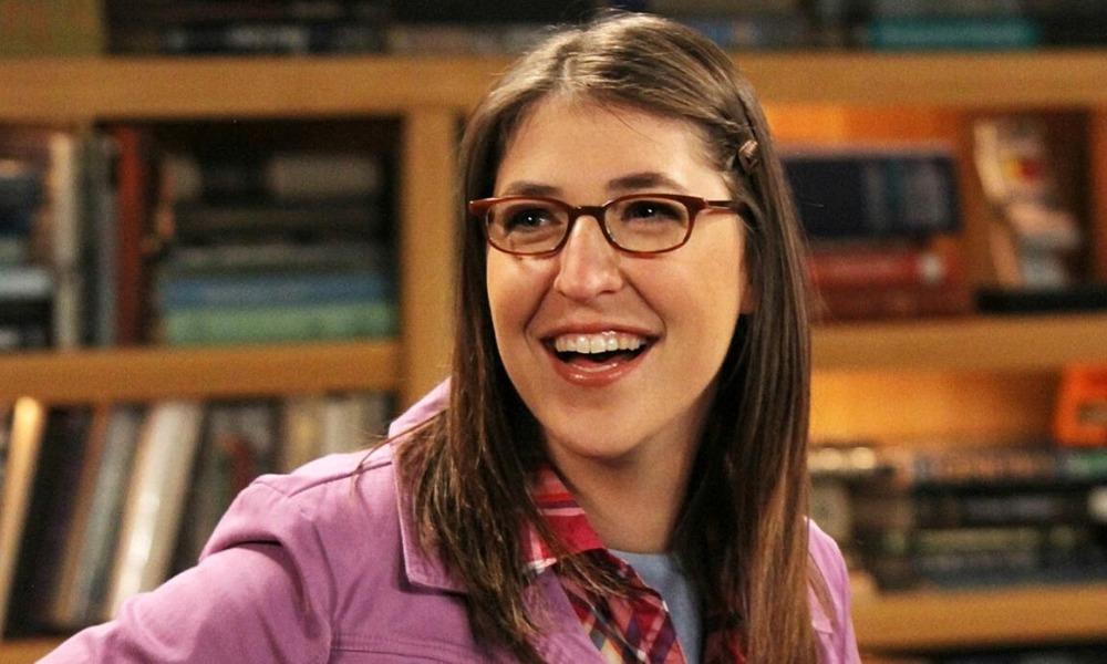 Amy apareció al principio de 'The Big Bang Theory'
