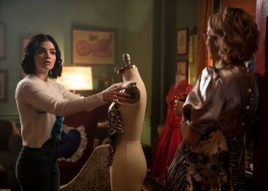 Does the style of the Arrowverse? Reveal the first photos of the crossover of 'Riverdale' katy-keene-1x10a-6-1215725