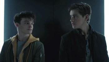 Curran Walters habló de los retrasos en la tercera temporada de 'Titans'