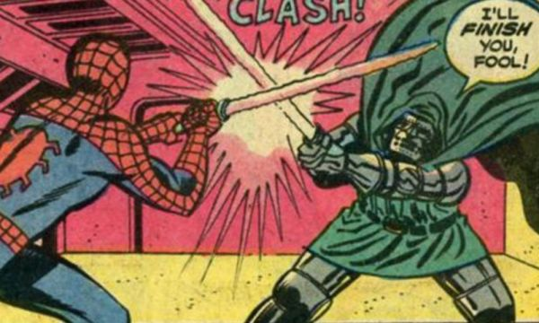 ¿Entendiste la referencia? Spider-Man enfrentó a un villano usando un lightsaber spider-man-uso-un-lightsaber-contra-un-villano-2-600x360