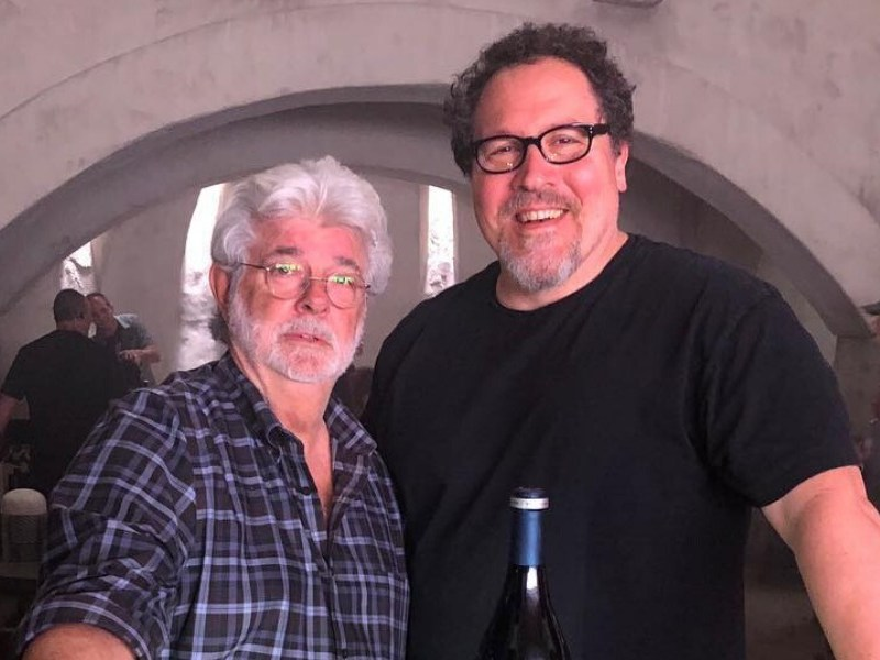 Jon Favreau y George Lucas odian The Last Jedi