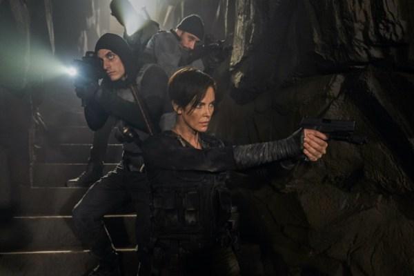 ¿Mejor equipo que Avengers? Netflix lanza imágenes de la nueva película de superhéroes de Charlize Theron old-guard-9-600x400
